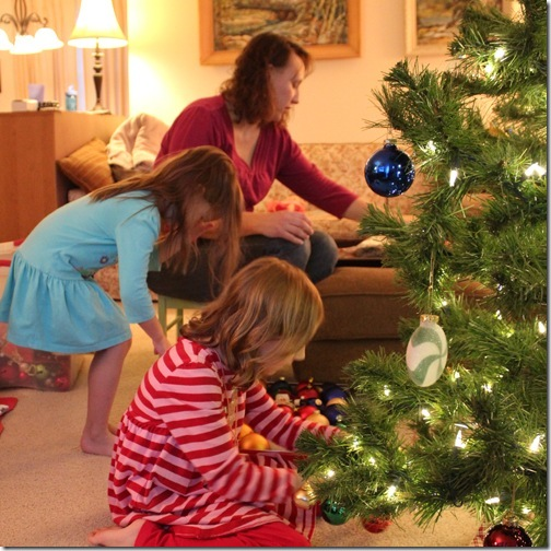 Kids Decorating For Christmas our kids' blog » blog archive » decorating the christmas tree
